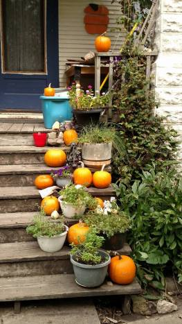 pumpkin-fest-porch