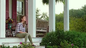 miracles-from-heaven-mov-porch